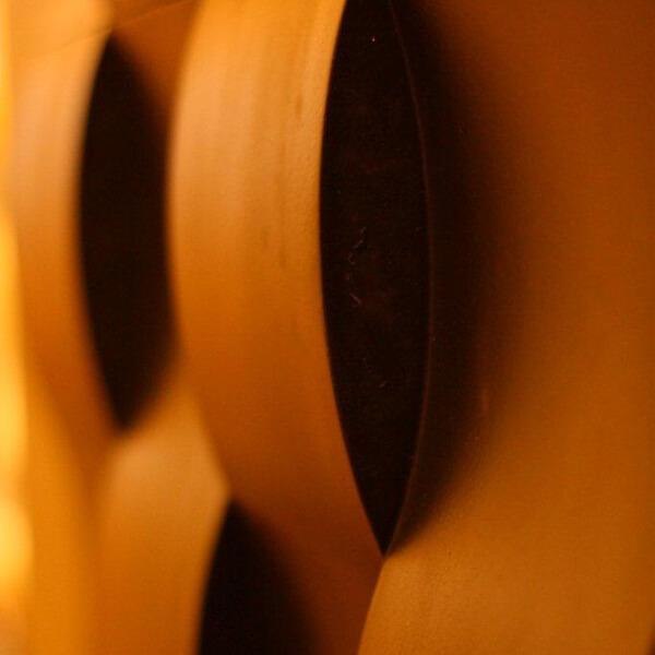 loft-3d-paneeli-malli-03-twist-punainen-lahikuva